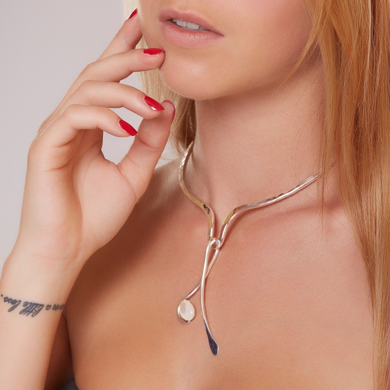 Collier argent avec nacre Harmonia, bijoux de créateur, vente en ligne, bijou artisanal, bijouterie en ligne