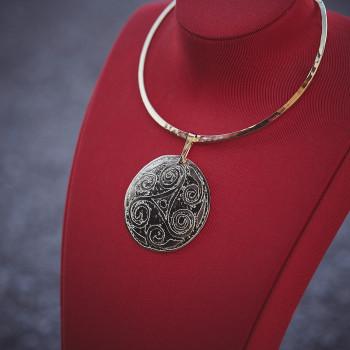 Collier plaqué or Triskel, bijoux de créateur, vente en ligne, bijouterie