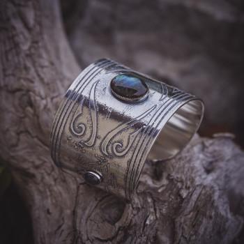Bracelet Turkmenia, Bracelet plaqué argent avec labradorite, bijoux de créateur, bijouterie en ligne