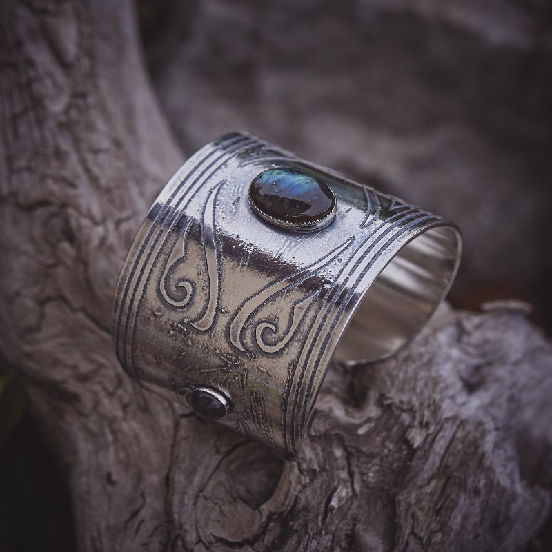 Bracelet Turkmenia, Bracelet argent avec labradorite, bijoux de créateur, bijouterie en ligne