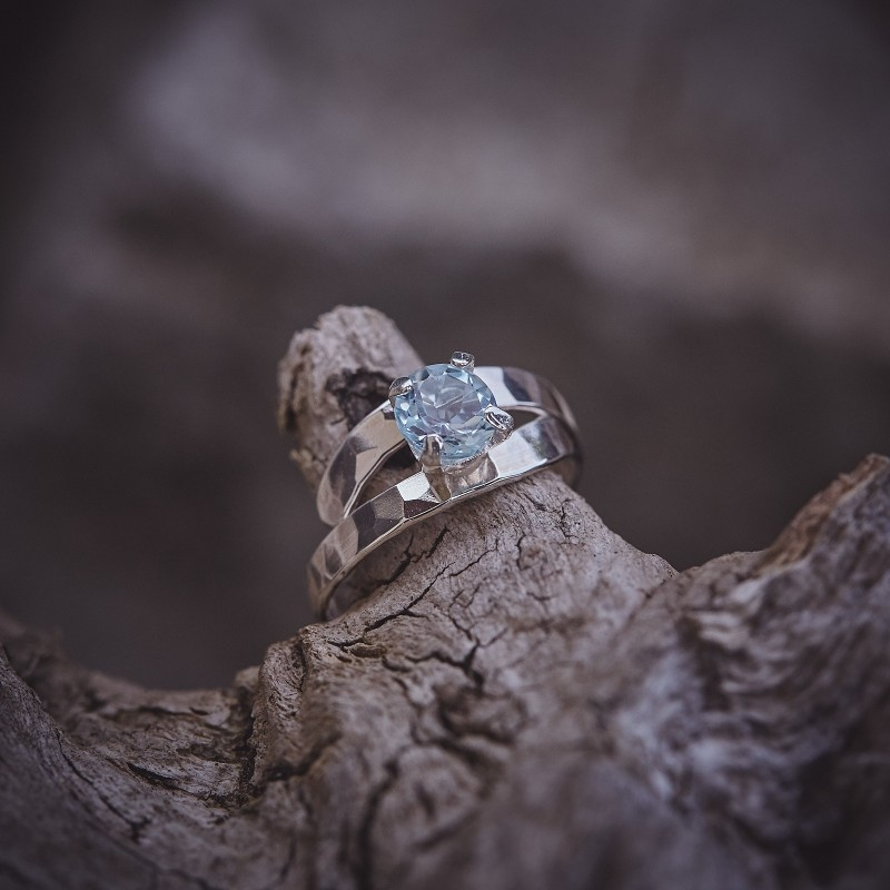 Bague argent Topaze bleue EMULSIA, bijoux de créateur, vente en ligne, bijouterie