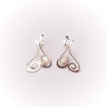 Boucles d'oreille en argent Edulcia avec nacre, bijoux de créateur, bijouterie en ligne
